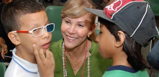 Gobernadora ratificó su apoyo al instituto de niños ciegos y sordos del Valle