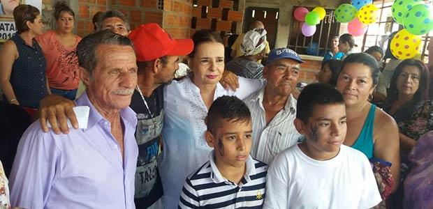 Jornada social en el barrio La Platanera de Cartago