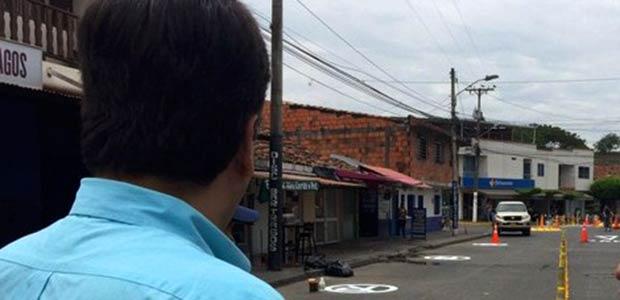 Alcaldía instala glorieta en la carrera 11 con calle 16 en Cartago
