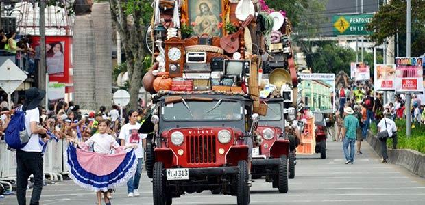 Postales del desfile del Yipao Armenia 127 años
