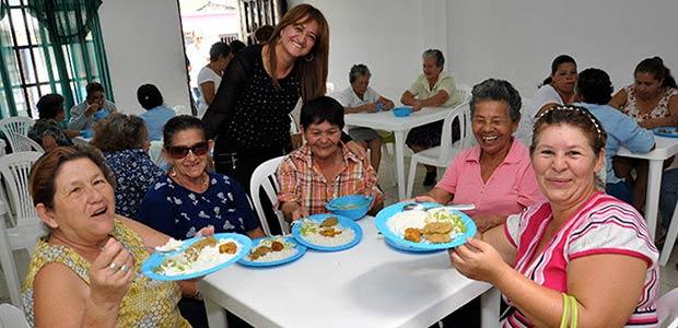 Abuelos y madres gestantes recibieron primer almuerzo caliente por parte de la gobernación de Risaralda