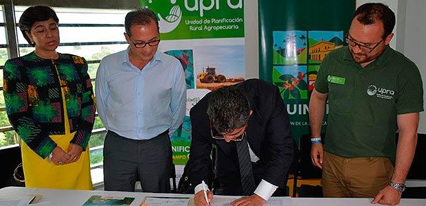 Firma de convenio para mejorar sostenibilidad y competitividad del sector agropecuario del Quindío