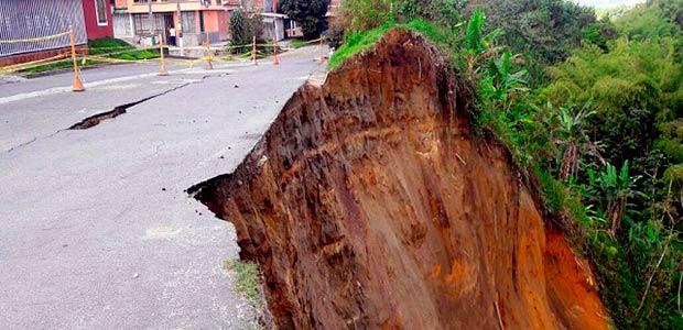 Recursos nacionales para reparar derrumbes en jardín de la fachada de Armenia