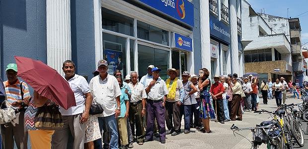 Nuevos adultos beneficiarios de auxilio económico que entrega el Estado a través de la Alcaldía de Cartago