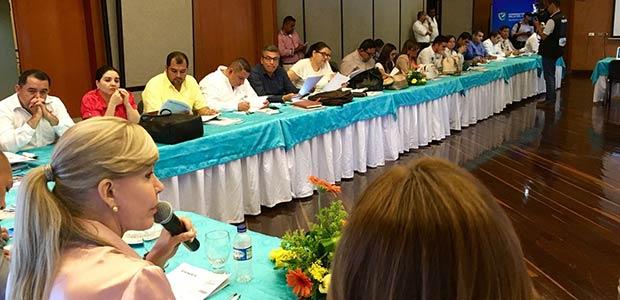 Gobernadora rindió cuentas a alcaldes del Valle sobre compromisos de los conversatorios