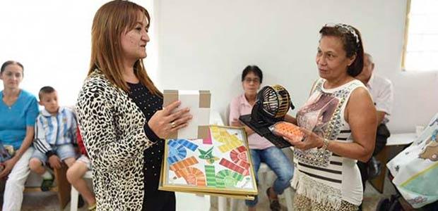 En Risaralda entrega de kits lúdicos a grupos de adultos mayores