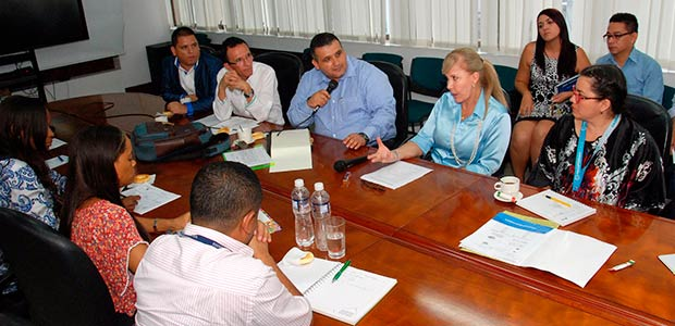 El Valle a través de sustitución de cultivos ilícitos generará recursos en el Dovio, Bolívar y Dagua