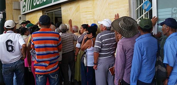 Ministerio de Trabajo da a conocer listado de adultos mayores bloqueados para cobro de subsidio