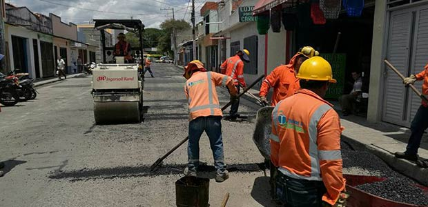 """Calle 9ª quedará igual o mejor que la carrera 4ª. Programa """"Cartago ciudad sin huecos"""""""