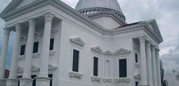 Obispo de la Diócesis de Cartago urge ayuda para reparar cubiertas de la catedral