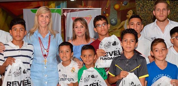 700 niños se capacitaron en fútbol y en valores en convenio gobernación Valle- Real Madrid y Fundación Revel