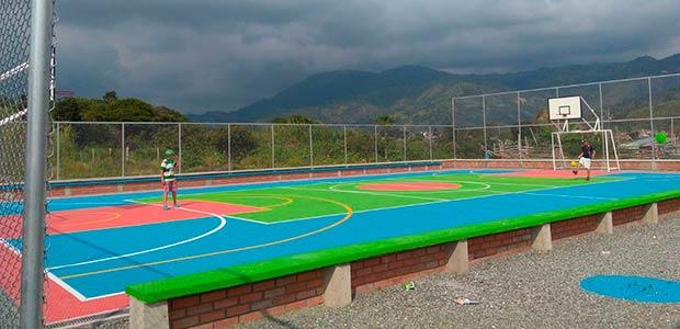 Cancha deportiva del barrio Lincoln de Calarcá, ya está terminada
