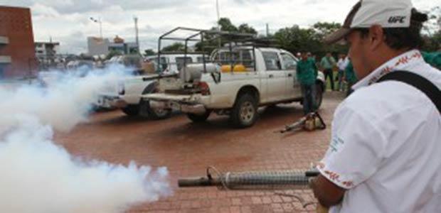UES fumigó zona de balnearios infestada de zancudos en Guacarí