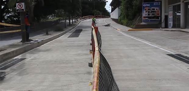 Avanza pavimentación en la Avenida del Río