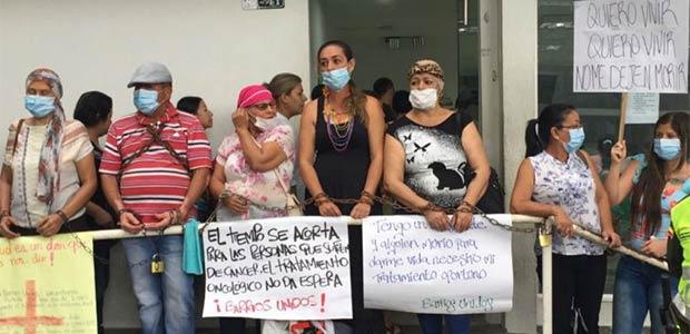 Gobernación apoyará con medicamentos a mujeres con cáncer en Cartago ante incumplimiento de Eps
