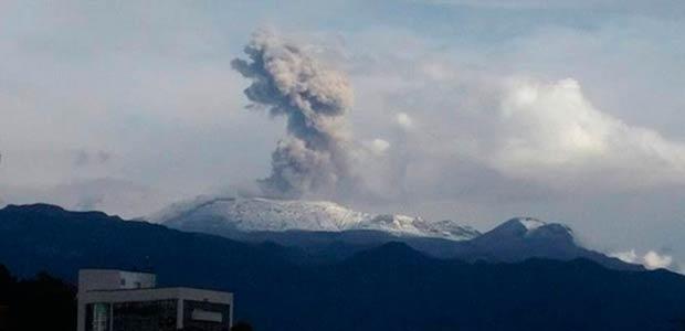 ¿Hay riesgos por la emisión de ceniza del Volcán Nevado de Ruiz?