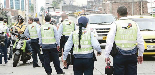 Agentes de tránsito de Pereira realizan plantón por reiteradas agresiones