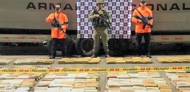 Más de media tonelada de marihuana incautó la Armada en zona selvática del Valle del Cauca