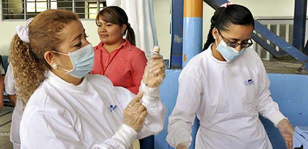 Con una vacuna y diagnóstico precoz es posible  cerrarle el paso al cáncer de cuello uterino