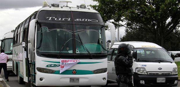 Transportadores piden al gobierno no seguir incrementando el combustible