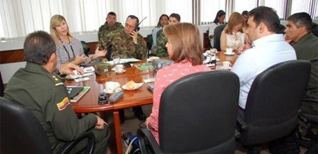 Investigan amenazas contra líderes sociales y funcionario de gobernación del Valle