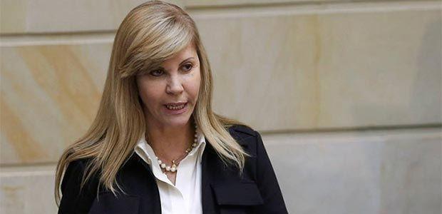 Gobernadora Toro responde a cuestionamientos de Procuraduría