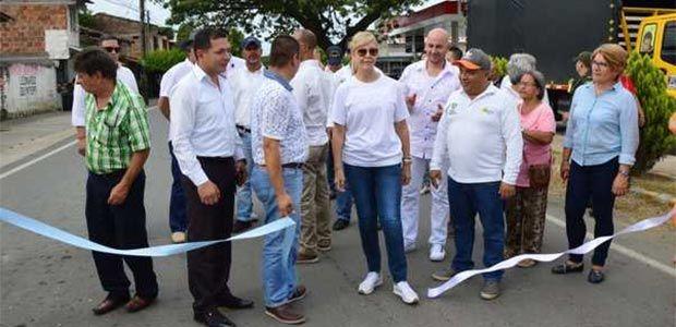 Gobernadora le cumple al norte del Valle entregando más obras viales en La Unión