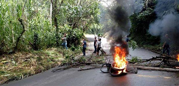 Protesta ciudadana mantuvo bloqueada vía Pereira - Alcalá por siete horas
