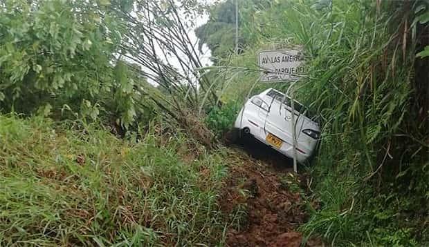 Lluvia incesante causa emergencias viales en Pereira