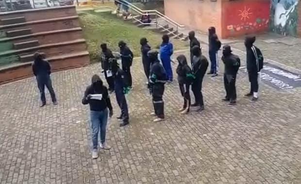 Grupo de encapuchados generan disturbios y pánico en la UTP