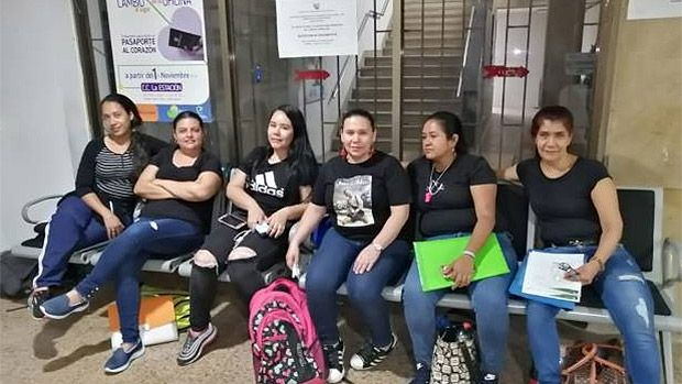 Madres de varios municipios del Valle protestan por atención de niños afiliados a EPS Coomeva