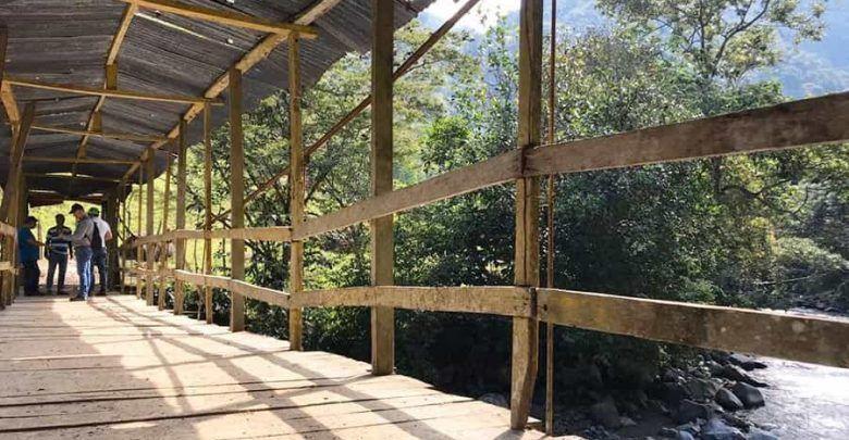 Obras de mejoramiento en el puente de Santa Marta en Pueblo Rico