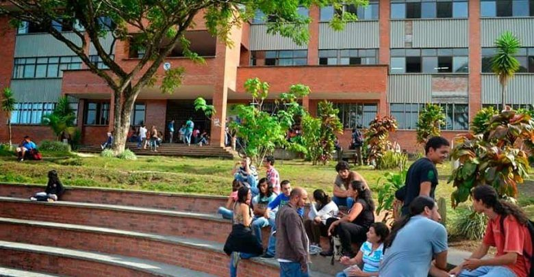 Por paro indefinido piden aplazar el semestre en la U. Tecnológica de Pereira