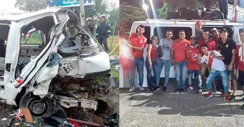 Tres muertos y 12 heridos, deja accidente de microbús con hinchas de América