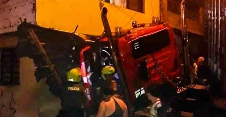 Tractomula chocó contra una vivienda en Calarcá