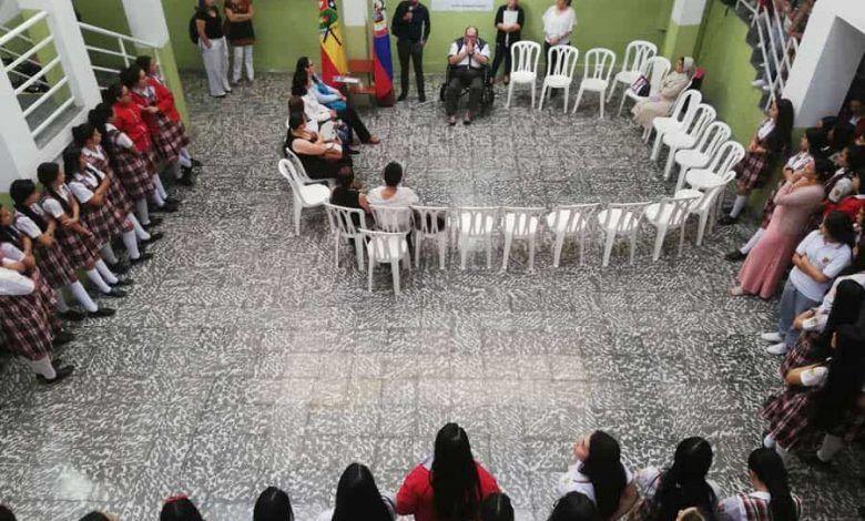 Gobernación brinda su apoyo a estudiantes de Santa Rosa de Cabal