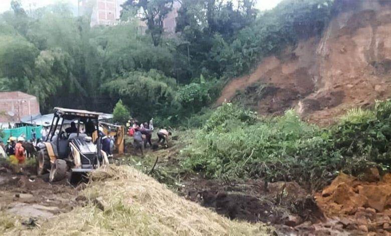 Cinco personas mueren por deslizamiento de tierra en el barrio Los Mangos de Chinchiná