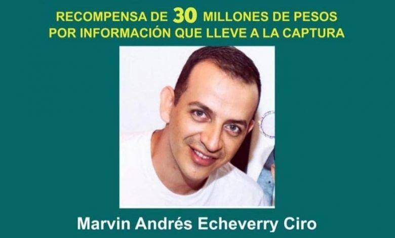 Aumentan a 30 millones recompensa por asesino de abogada en Cartago