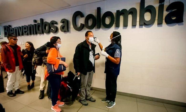 Colombianos varados en el extranjero denuncian que no han recibido ayudas