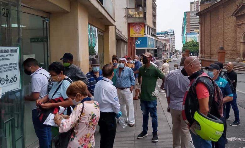 Photo of Llamado al sector financiero para que evite aglomeraciones de adultos mayores en bancos