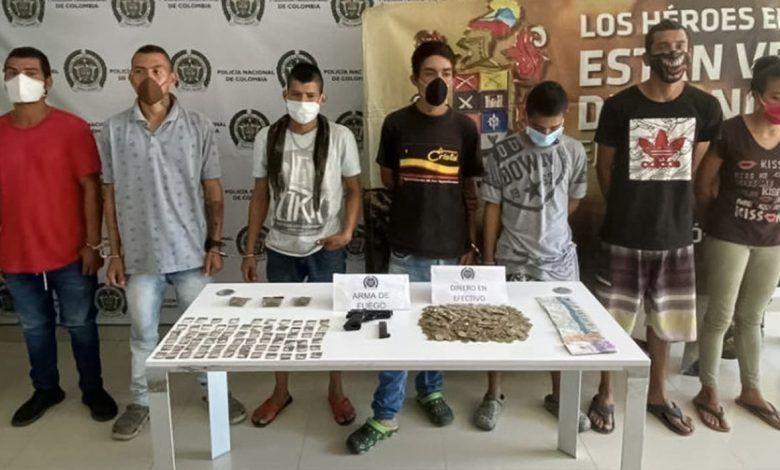 """Capturan a siete presuntos integrantes de """"Los Voladores"""" en Cartago"""