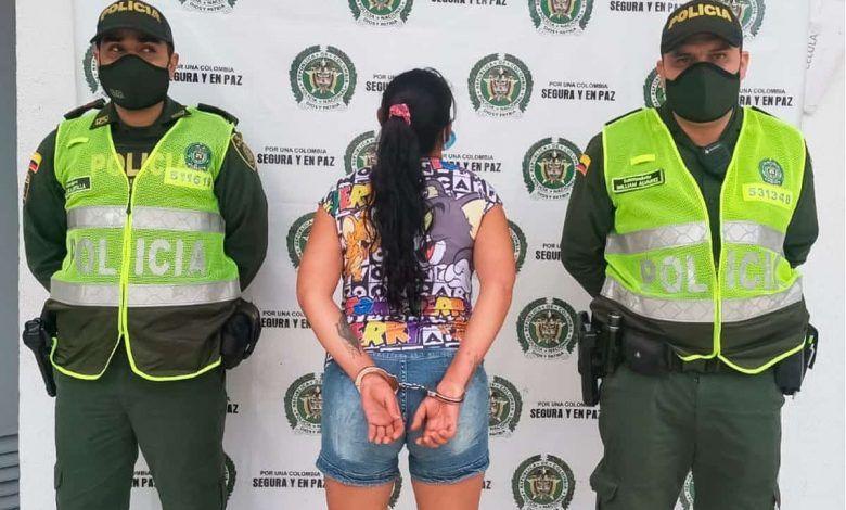 Cartagüeña que fue detenida en Pereira escupió a la autoridad