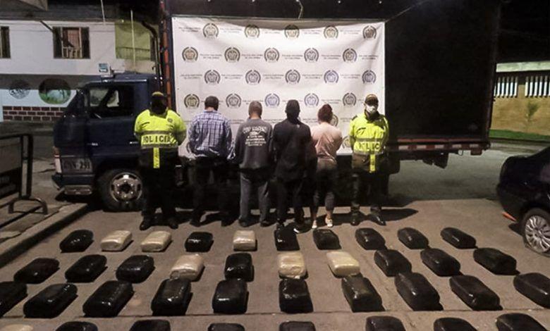 Cuatro personas transportaban más de 800 kilos de marihuana en Quimbaya