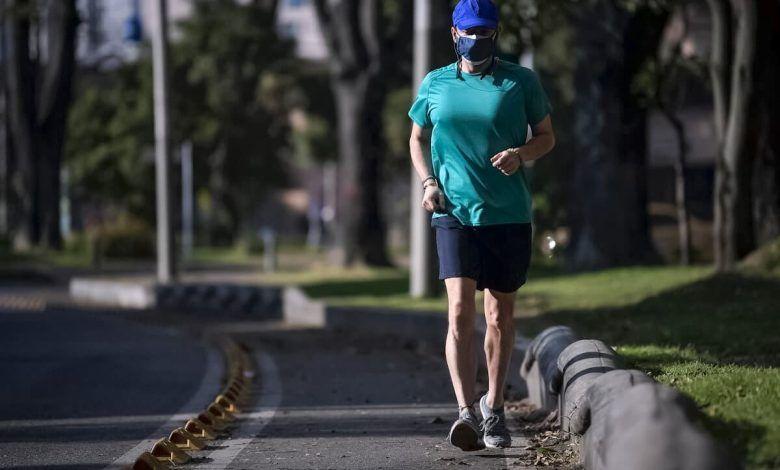 Gobierno permite a los adultos mayores de 70 años más horas de actividad física