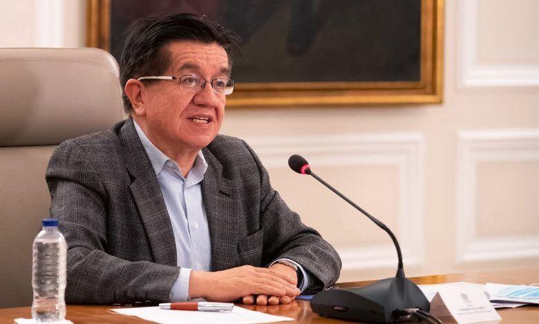 Ministro de Salud desmiente que Colombia sea el país con mayor tasa de muertes