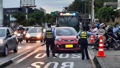 Operativos contra invasores del carril exclusivo de Megabús