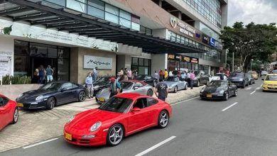Desfile de carros deportivos Porsche en Quindío y norte del Valle