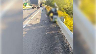 Hombre falleció tras chocar con una baranda en puente de Zarzal