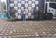 Más de 200 kilos de cocaína iban camuflados en llantas de un camión por vía de Yumbo