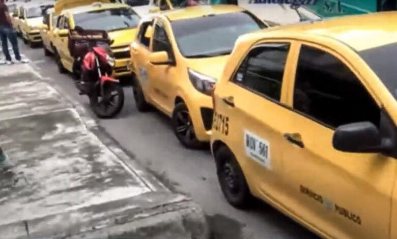 Taxistas de Manizales marcharon en rechazo de plataformas ilegales